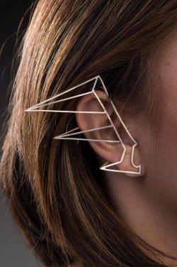 Annelise Yee – Silver Ear Cuff