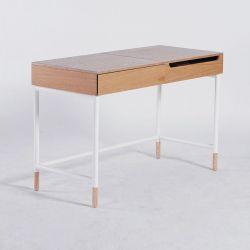 Karina Madzari – W1 vanity table