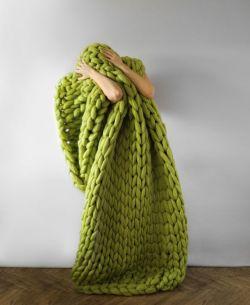 Anna Marinenko – Ohhio. Super chunky knits.