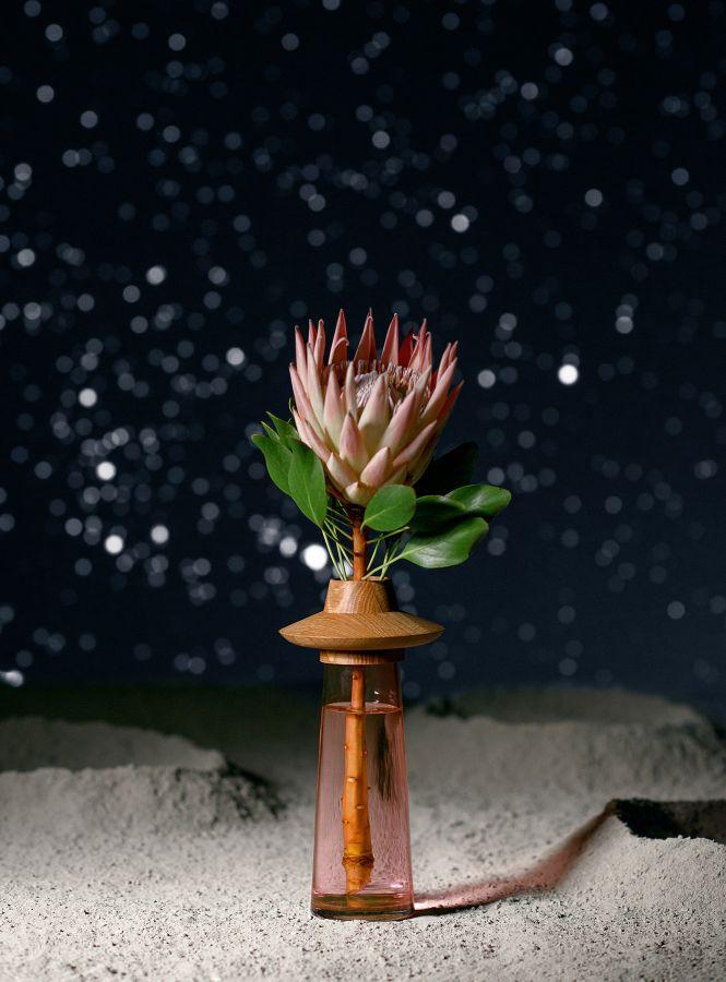 Fajno design, Igor Tsaruk, Marina Ahmadova – Ufological vase