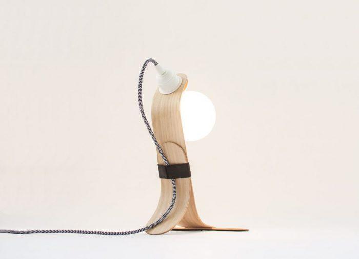 Oitenta – Rafael Fernández – Handmade modern wood table lamp