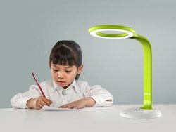 Solo Chang – Tencent children smart desk lamp